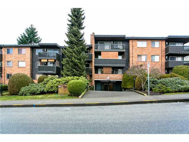 "Main Photo: 304 1011 FOURTH Avenue in New Westminster: Uptown NW Condo for sale in ""CRESTWELL MANOR"" : MLS®# V1047603"