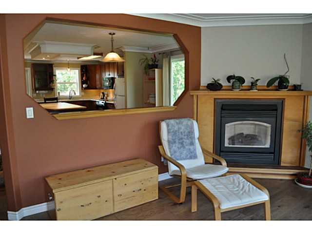Photo 3: Photos: 1462 CHESTNUT Street: Telkwa House for sale (Smithers And Area (Zone 54))  : MLS®# N236621