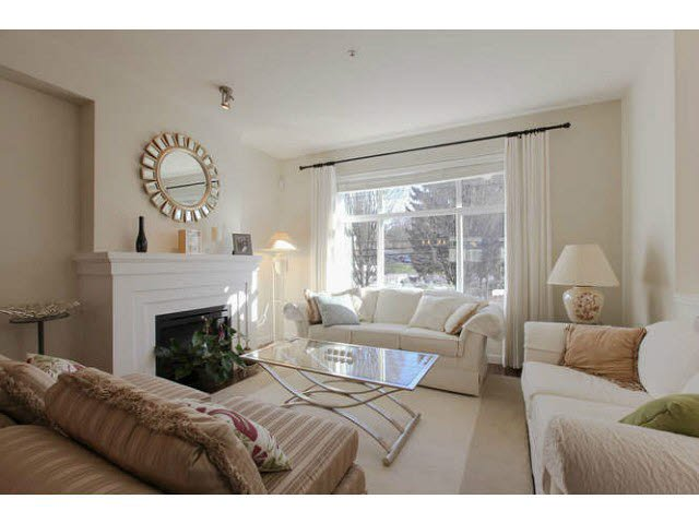 "Main Photo: 691 PREMIER Street in North Vancouver: Lynnmour Townhouse for sale in ""WEDGEWOOD"" : MLS®# V1106662"