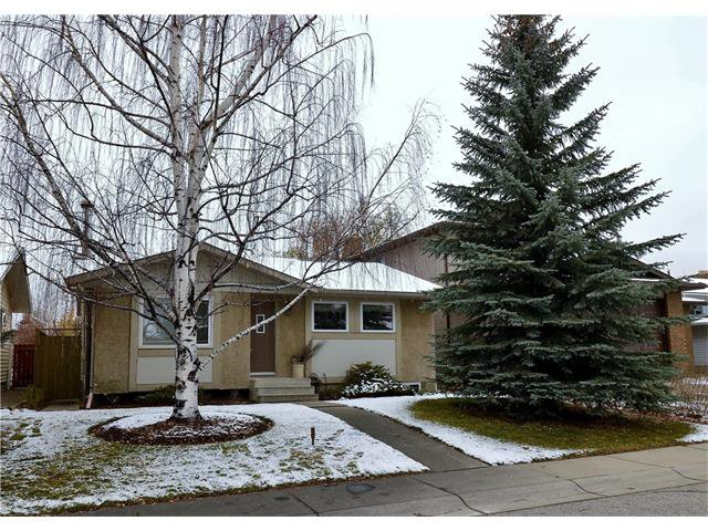 Main Photo: 488 BRACEWOOD Crescent SW in Calgary: Braeside House for sale : MLS®# C4036568
