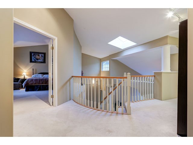 Photo 10: Photos: 2902 WOODSTONE Court in Coquitlam: Westwood Plateau House for sale : MLS®# R2028509