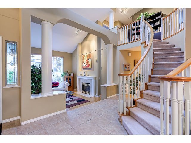 Photo 2: Photos: 2902 WOODSTONE Court in Coquitlam: Westwood Plateau House for sale : MLS®# R2028509
