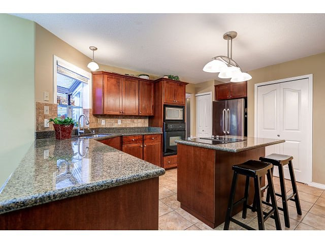 Photo 7: Photos: 2902 WOODSTONE Court in Coquitlam: Westwood Plateau House for sale : MLS®# R2028509