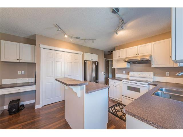 Photo 6: Photos: 195 WEST CREEK Crescent: Chestermere House for sale : MLS®# C4059923
