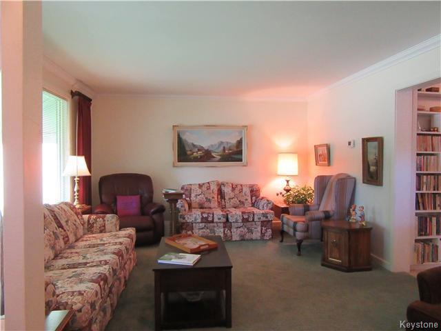 Photo 3: Photos: 432 Ritchot Street in Winnipeg: St Boniface Residential for sale (South East Winnipeg)  : MLS®# 1616795