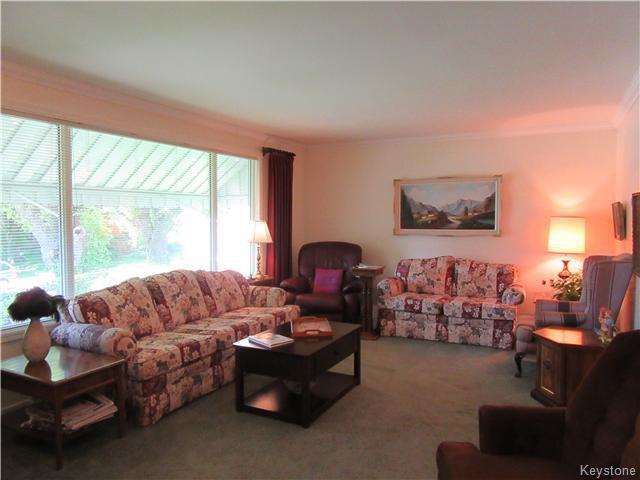 Photo 2: Photos: 432 Ritchot Street in Winnipeg: St Boniface Residential for sale (South East Winnipeg)  : MLS®# 1616795