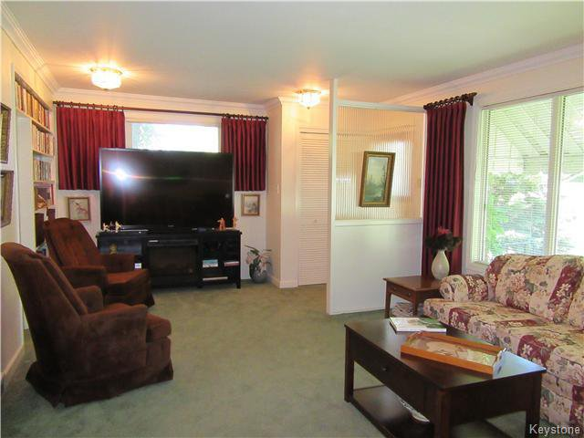 Photo 4: Photos: 432 Ritchot Street in Winnipeg: St Boniface Residential for sale (South East Winnipeg)  : MLS®# 1616795