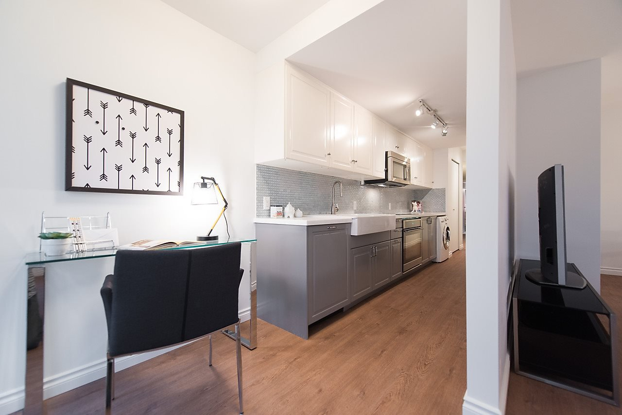 "Photo 9: Photos: 212 2910 E PENDER Street in Vancouver: Renfrew VE Condo for sale in ""RENFREW COURT"" (Vancouver East)  : MLS®# R2115250"
