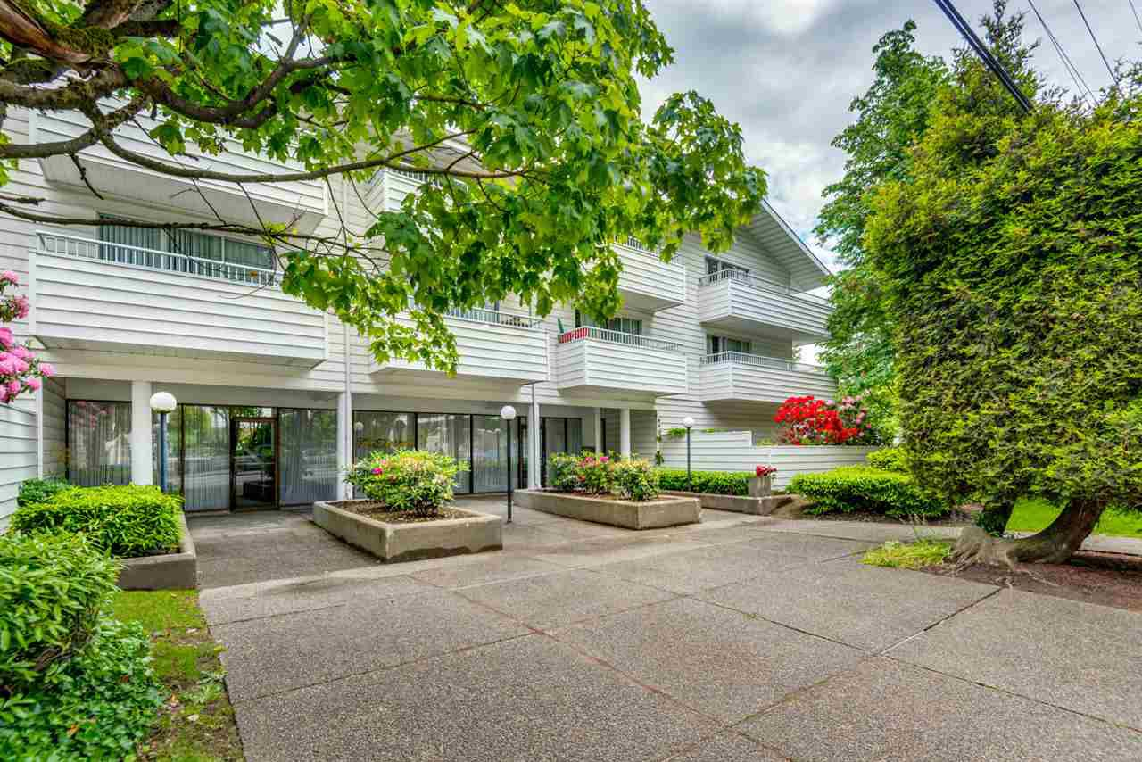 Main Photo: 112 707 EIGHTH Street in New Westminster: Uptown NW Condo for sale : MLS®# R2176716