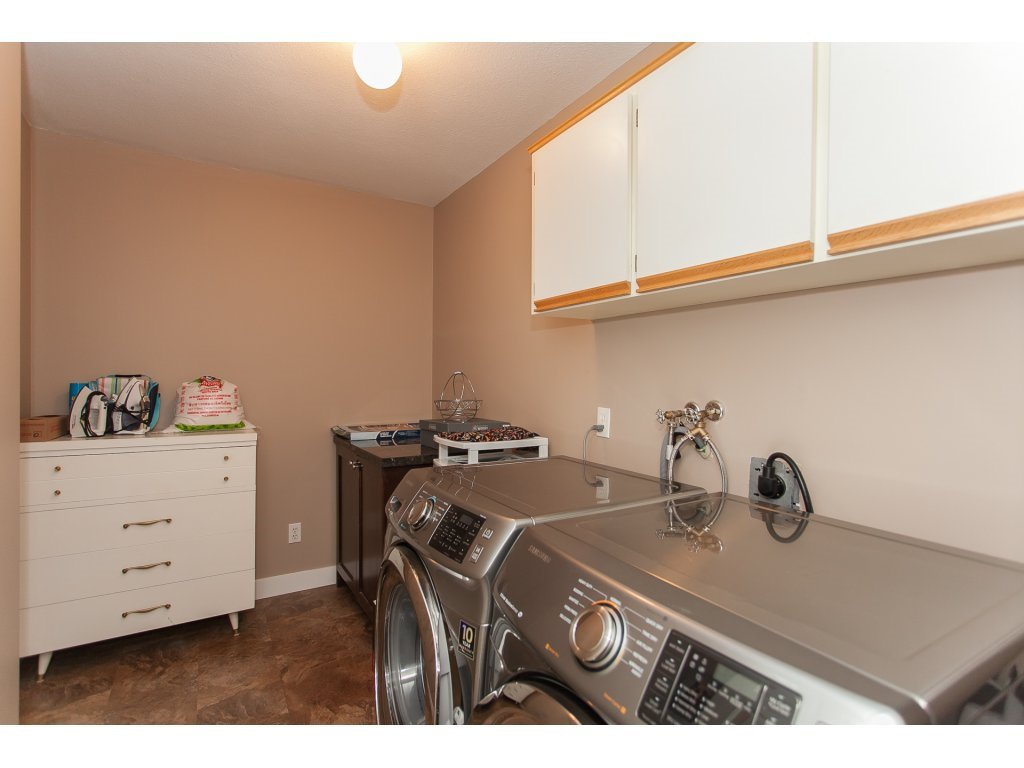 Photo 18: Photos: 309 20600 53A AVENUE in Langley: Langley City Condo for sale : MLS®# R2146902