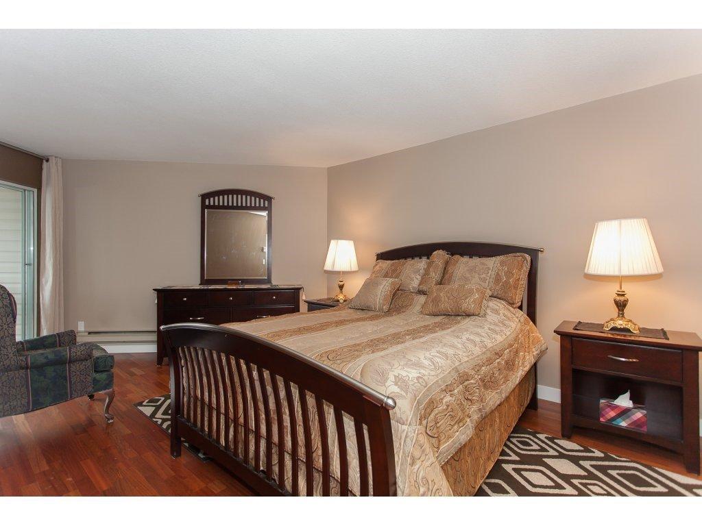 Photo 13: Photos: 309 20600 53A AVENUE in Langley: Langley City Condo for sale : MLS®# R2146902