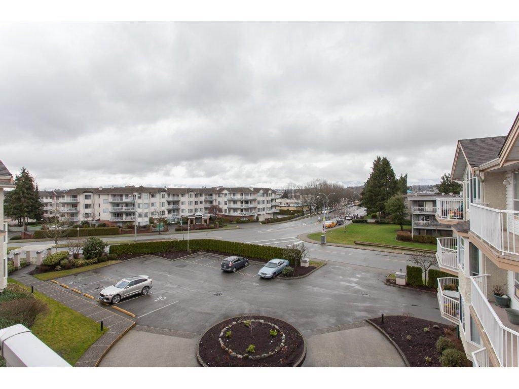 Photo 20: Photos: 309 20600 53A AVENUE in Langley: Langley City Condo for sale : MLS®# R2146902