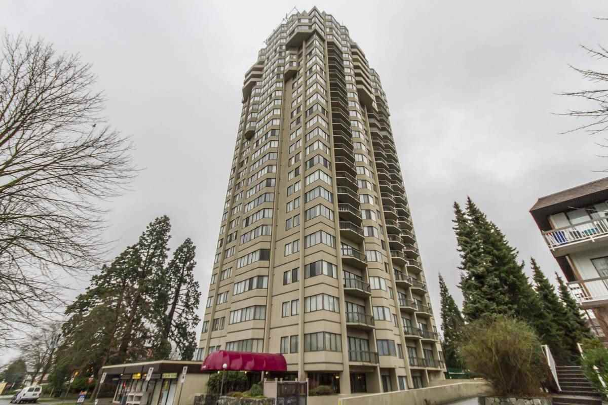 "Main Photo: 2005 6540 BURLINGTON Avenue in Burnaby: Metrotown Condo for sale in ""BURLINGTON SQUARE"" (Burnaby South)  : MLS®# R2233791"
