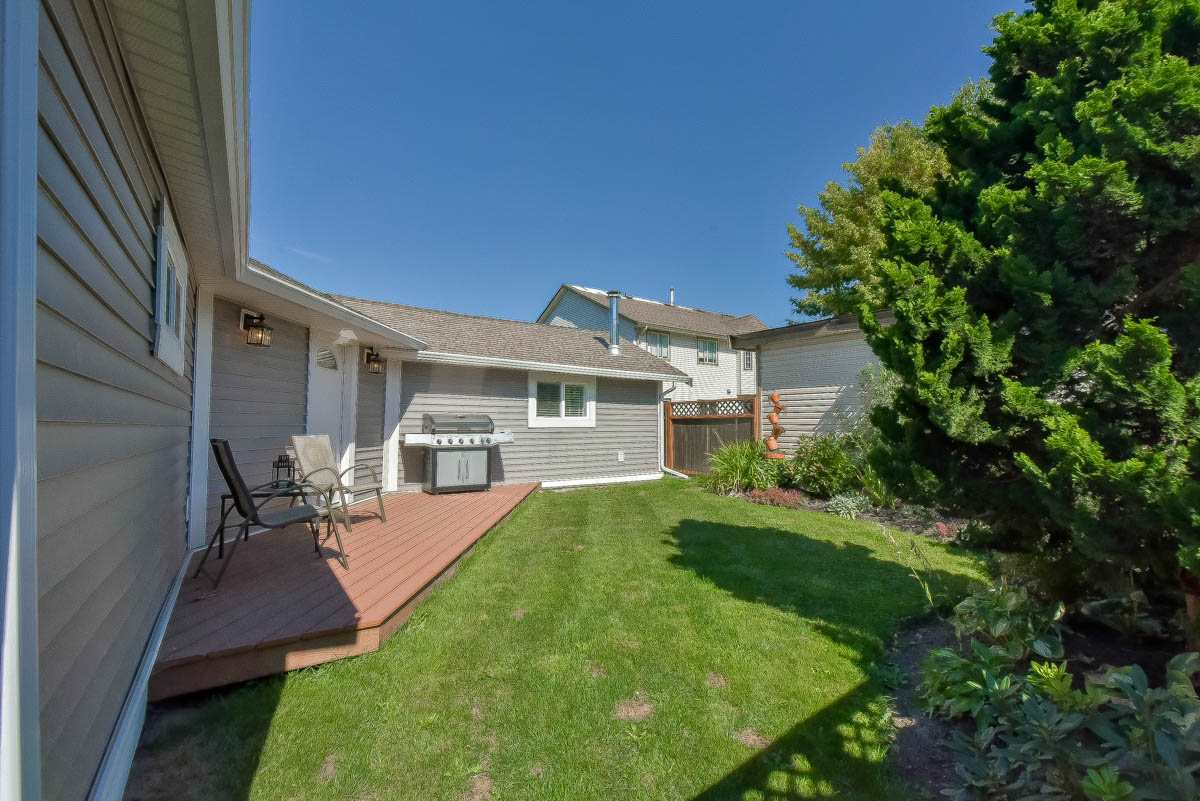 Photo 2: Photos: 9844 MUNRO Avenue in Rosedale: Rosedale Center House for sale : MLS®# R2234297