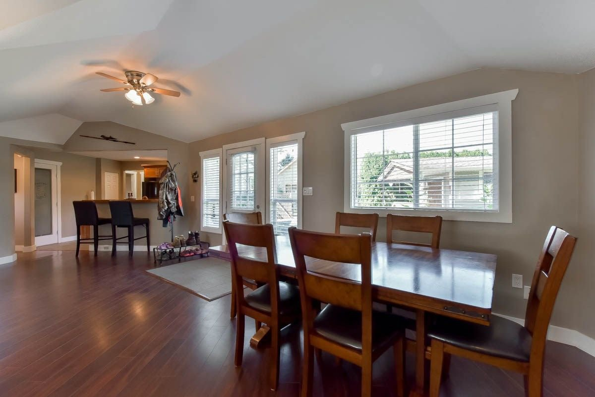 Photo 6: Photos: 9844 MUNRO Avenue in Rosedale: Rosedale Center House for sale : MLS®# R2234297