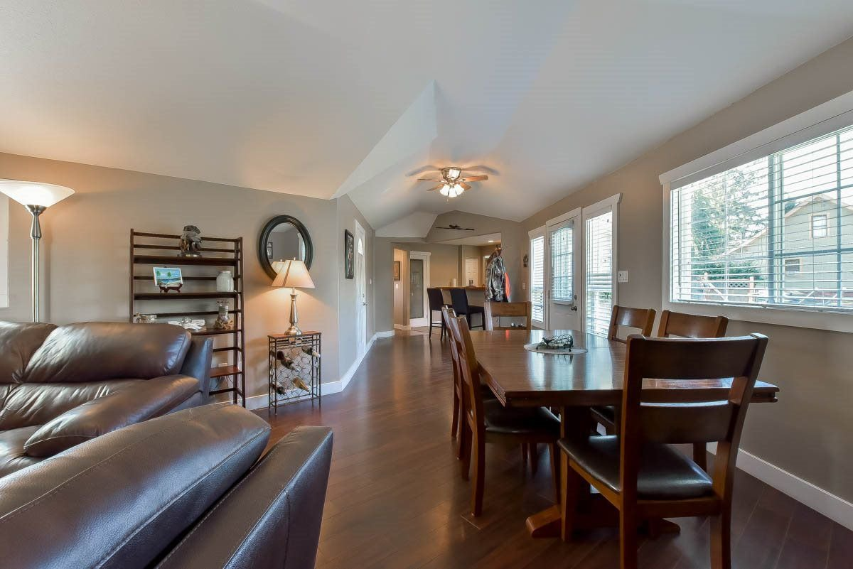 Photo 11: Photos: 9844 MUNRO Avenue in Rosedale: Rosedale Center House for sale : MLS®# R2234297