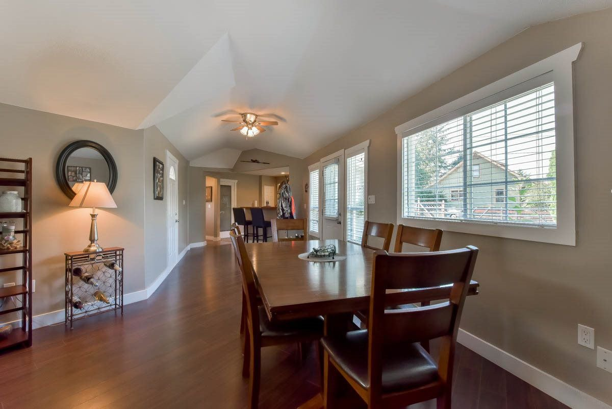 Photo 5: Photos: 9844 MUNRO Avenue in Rosedale: Rosedale Center House for sale : MLS®# R2234297