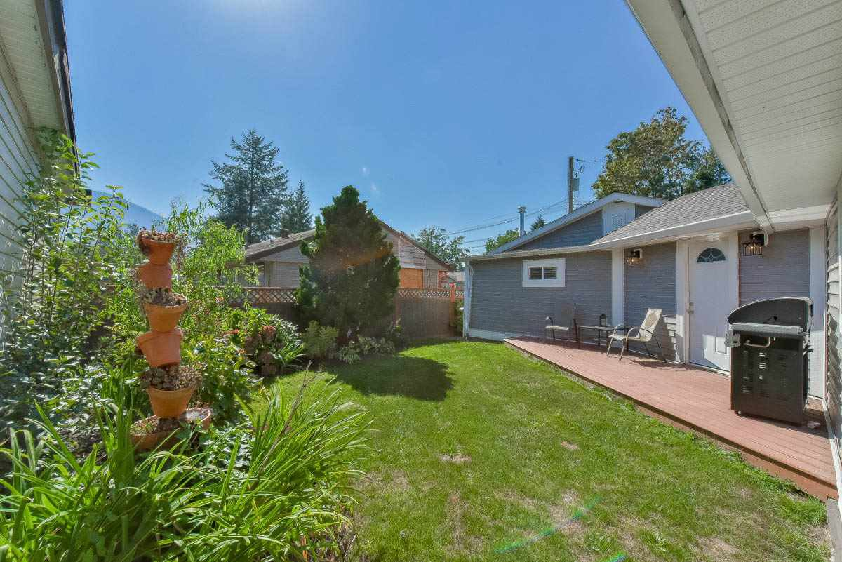 Photo 3: Photos: 9844 MUNRO Avenue in Rosedale: Rosedale Center House for sale : MLS®# R2234297