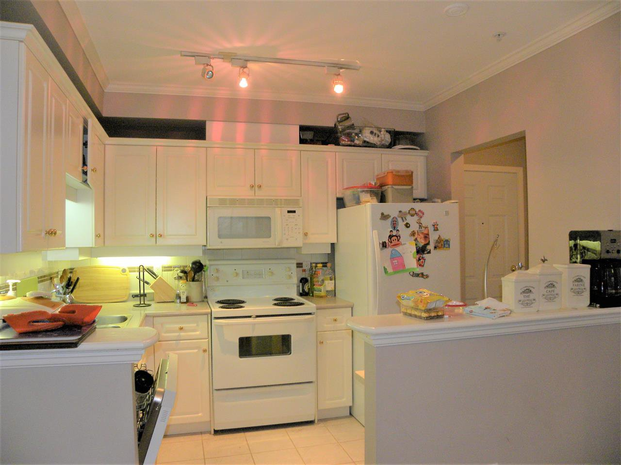 "Photo 9: Photos: 224 1185 PACIFIC Street in Coquitlam: North Coquitlam Condo for sale in ""CENTREVILLE"" : MLS®# R2236643"