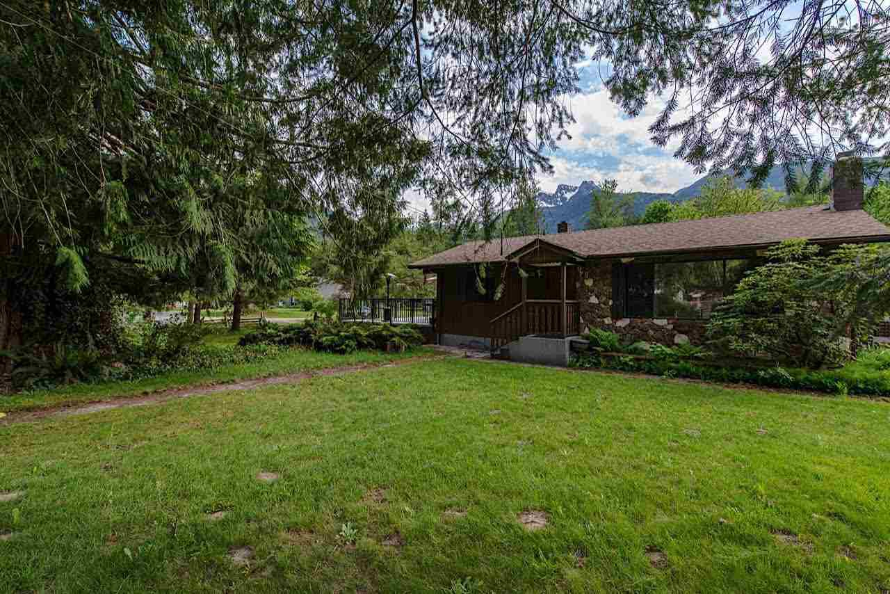 """Main Photo: 50534 O'BYRNE Road in Sardis - Chwk River Valley: Chilliwack River Valley House for sale in """"SLESSE PARK"""" (Sardis)  : MLS®# R2250703"""