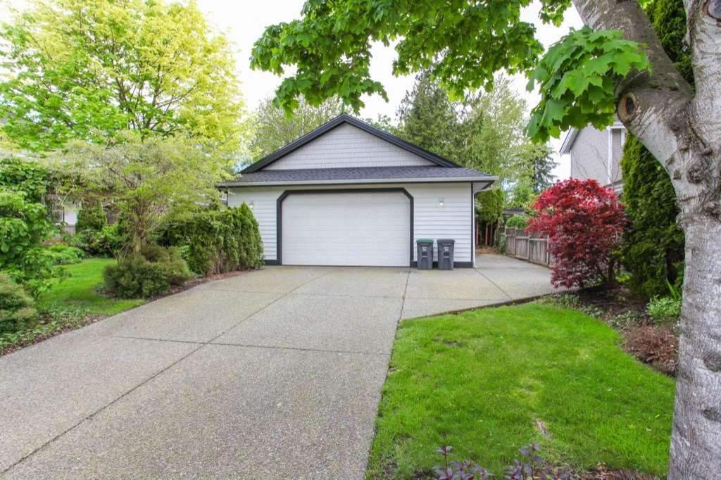 Photo 19: Photos: 15361 57TH Avenue in Surrey: Sullivan Station House for sale : MLS®# R2253840