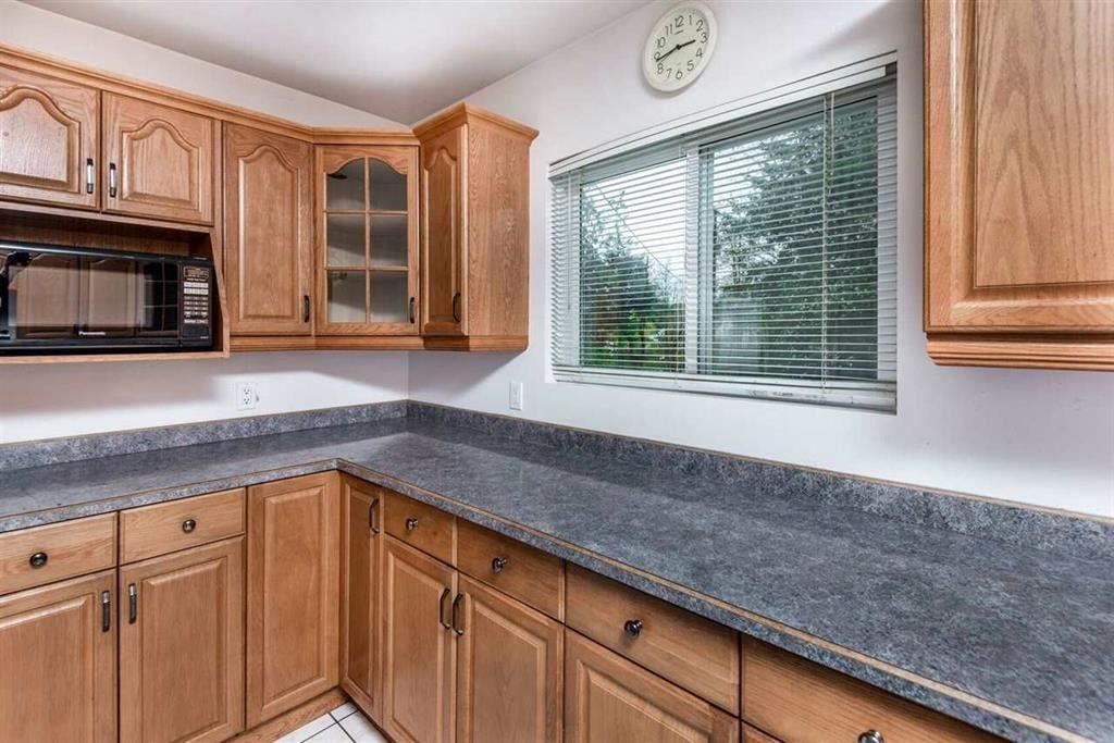Photo 8: Photos: 1698 240 Street in Langley: Otter District House for sale : MLS®# R2274235