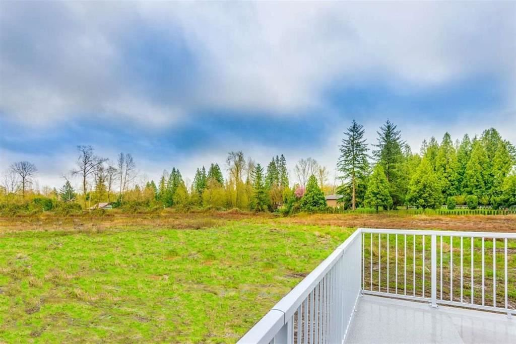 Photo 4: Photos: 1698 240 Street in Langley: Otter District House for sale : MLS®# R2274235