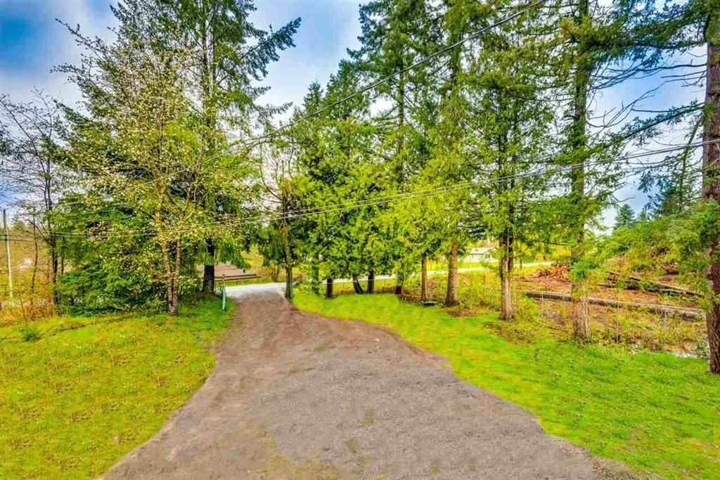 Photo 3: Photos: 1698 240 Street in Langley: Otter District House for sale : MLS®# R2274235