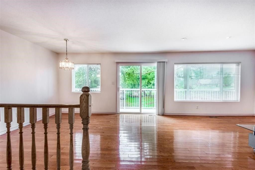Photo 9: Photos: 1698 240 Street in Langley: Otter District House for sale : MLS®# R2274235