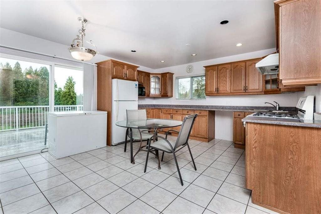 Photo 7: Photos: 1698 240 Street in Langley: Otter District House for sale : MLS®# R2274235