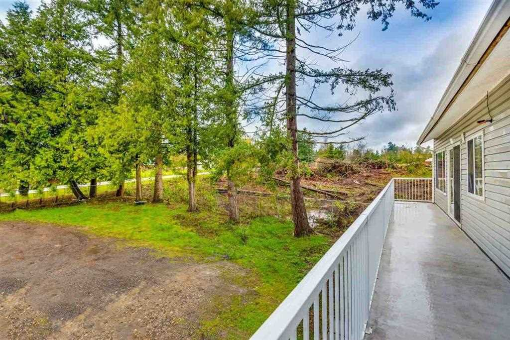 Photo 5: Photos: 1698 240 Street in Langley: Otter District House for sale : MLS®# R2274235