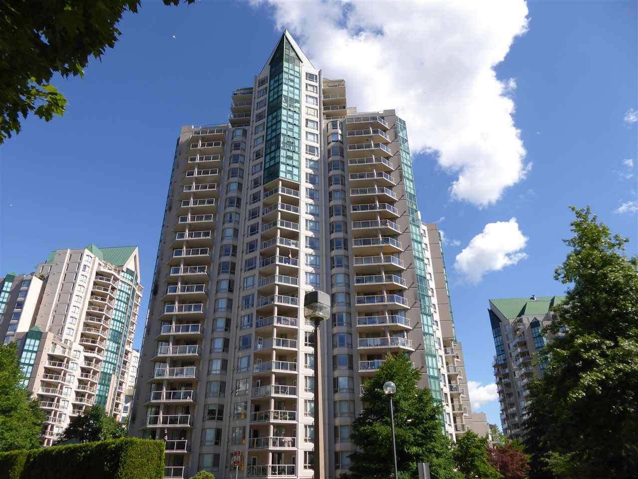 "Main Photo: 1703 1199 EASTWOOD Street in Coquitlam: North Coquitlam Condo for sale in ""SELKIRK"" : MLS®# R2283280"