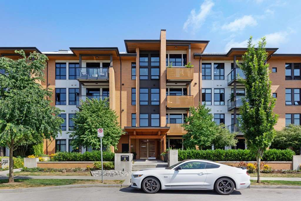 """Main Photo: 212 220 SALTER Street in New Westminster: Queensborough Condo for sale in """"GLASSHOUSE"""" : MLS®# R2294293"""