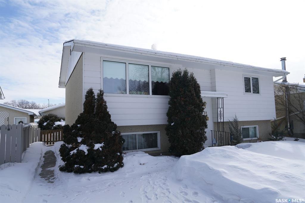 Main Photo: 739 Sweeney Street in Regina: Mount Royal RG Residential for sale : MLS®# SK761854