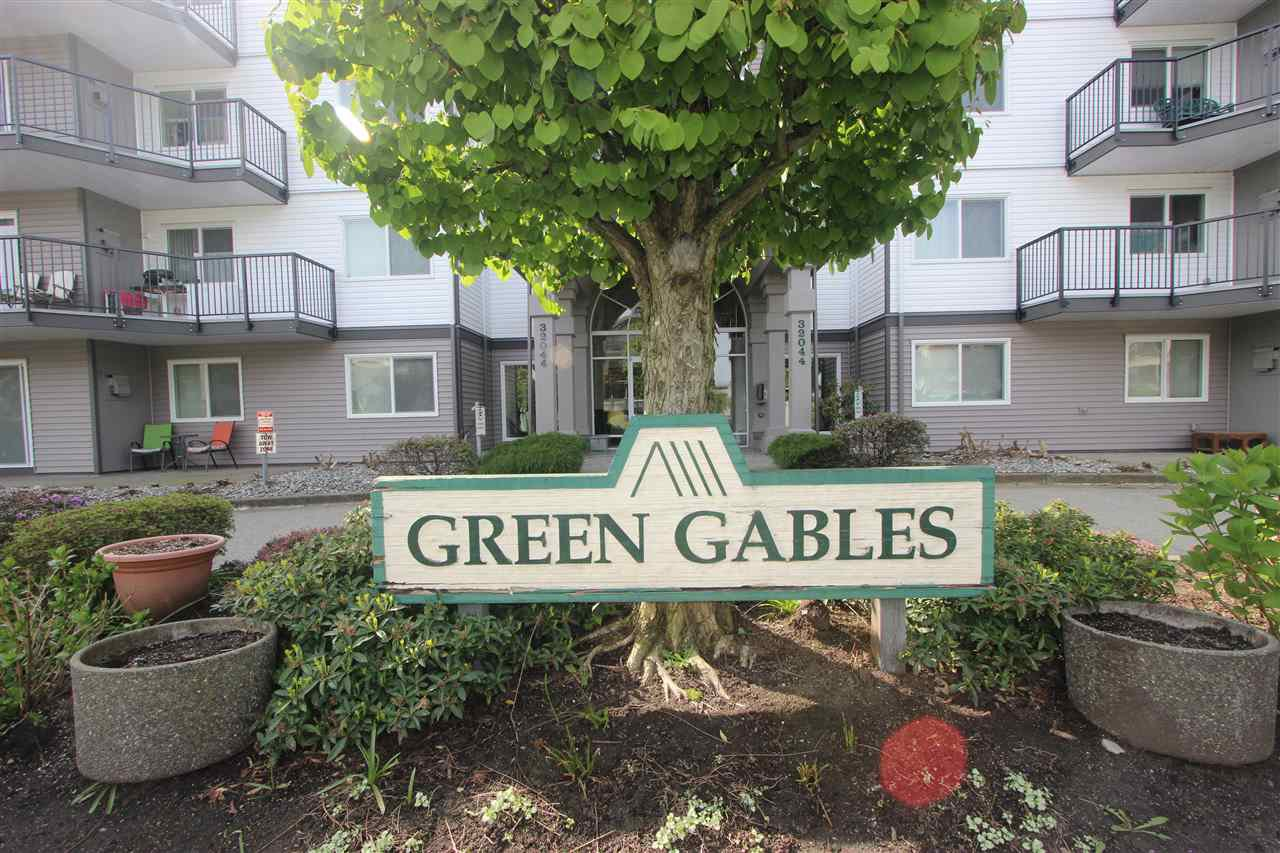 "Main Photo: 310 32044 OLD YALE Road in Abbotsford: Abbotsford West Condo for sale in ""Green Gables"" : MLS®# R2363929"