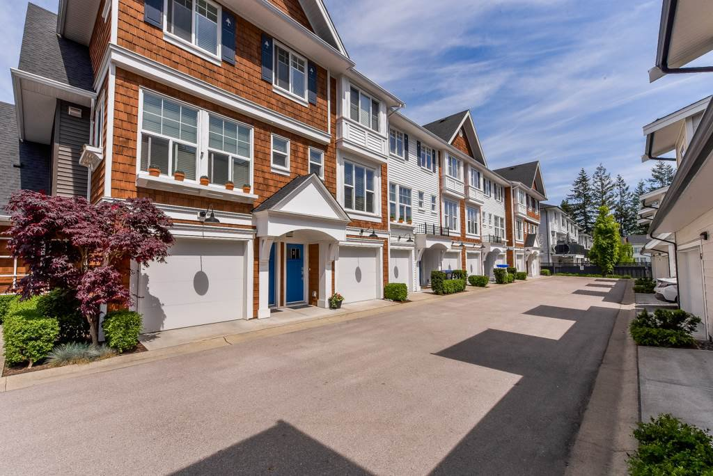 "Main Photo: 2 14905 60TH Avenue in Surrey: Sullivan Station Townhouse for sale in ""THE GROVE AT CAMBRIDGE"" : MLS®# R2369048"