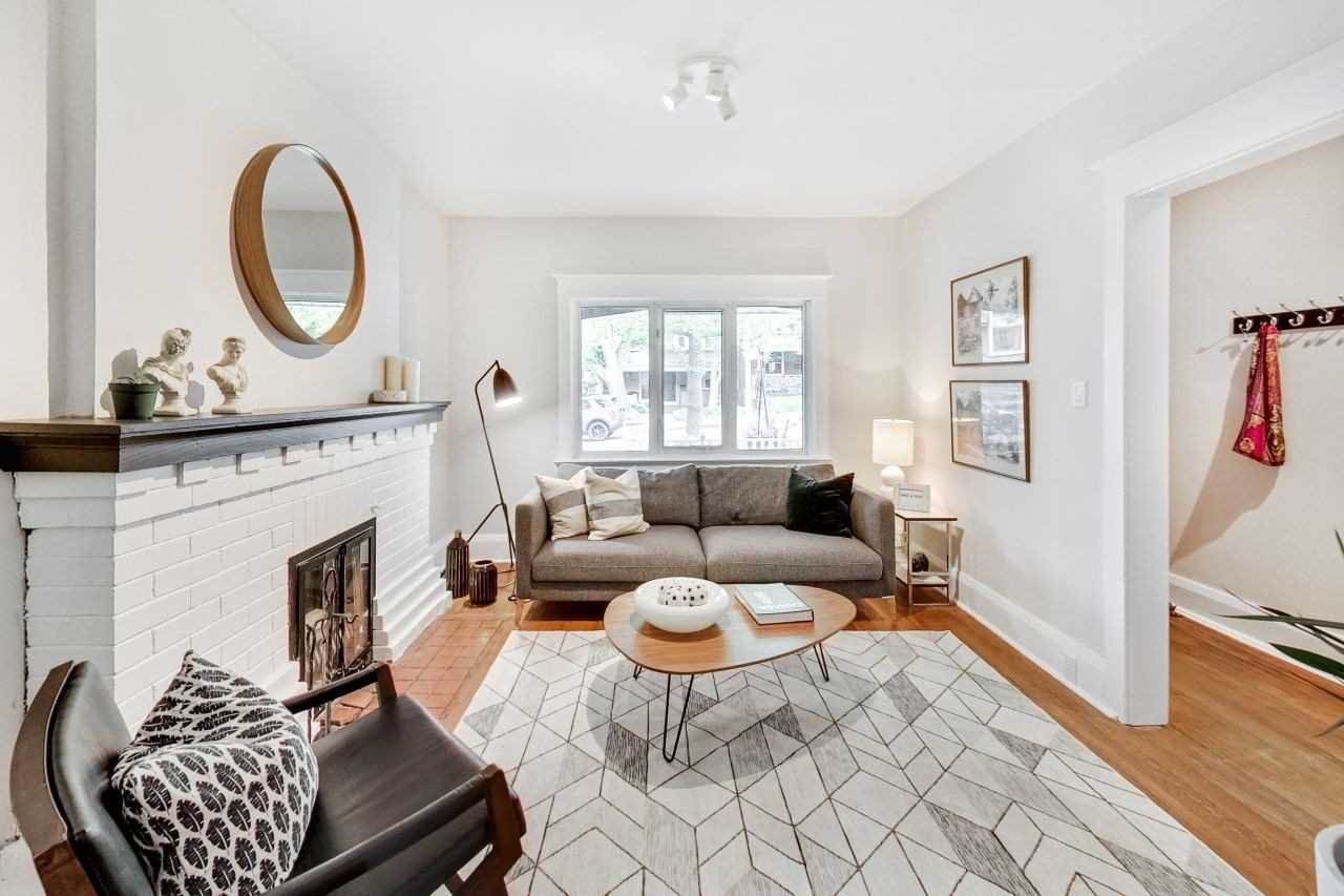 Photo 2: Photos: 309 Waverley Road in Toronto: The Beaches House (2-Storey) for sale (Toronto E02)  : MLS®# E4482049
