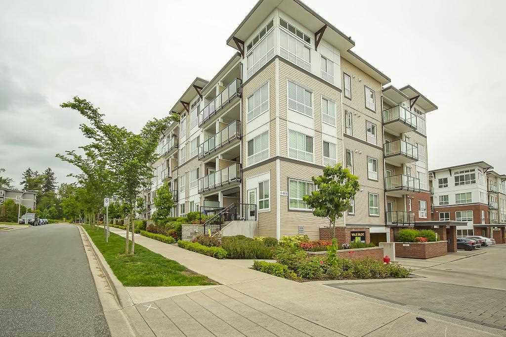 "Main Photo: 205 6468 195A Street in Surrey: Clayton Condo for sale in ""Yale Bloc Building 1"" (Cloverdale)  : MLS®# R2456985"