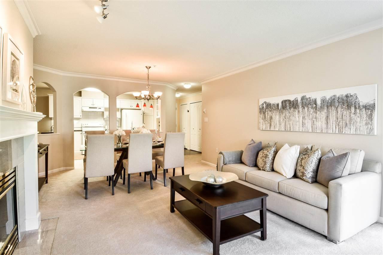 "Photo 4: Photos: 304 1929 154 Street in Surrey: King George Corridor Condo for sale in ""Stratford Gardens"" (South Surrey White Rock)  : MLS®# R2486337"