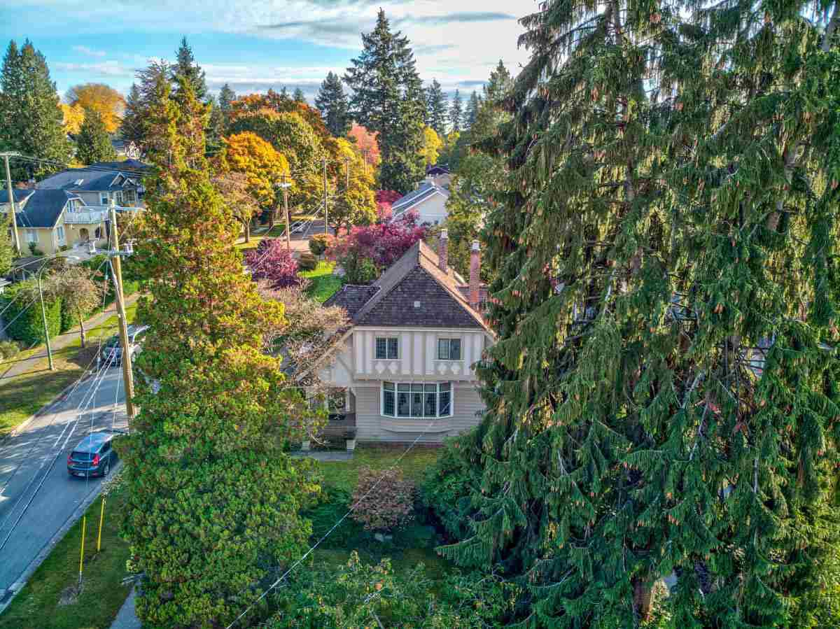 Main Photo: 5510 BLENHEIM Street in Vancouver: Kerrisdale House for sale (Vancouver West)  : MLS®# R2512256