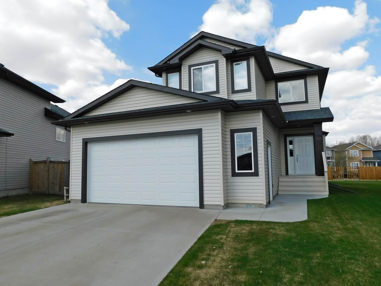 Main Photo: 100 Landing Trails Drive: Gibbons House for sale : MLS®# E4224937