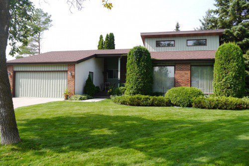 Main Photo: 5 Wendover Place in Winnipeg: Residential for sale : MLS®# 1320842