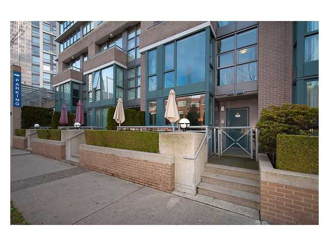 "Main Photo: 1038 CAMBIE Street in Vancouver: Yaletown Townhouse for sale in ""Yaletown Limited"" (Vancouver West)  : MLS®# V1060512"