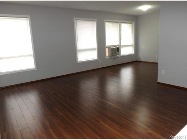 Photo 3: Photos: 610 Springfield Road in WINNIPEG: North Kildonan Residential for sale (North East Winnipeg)  : MLS®# 1427546