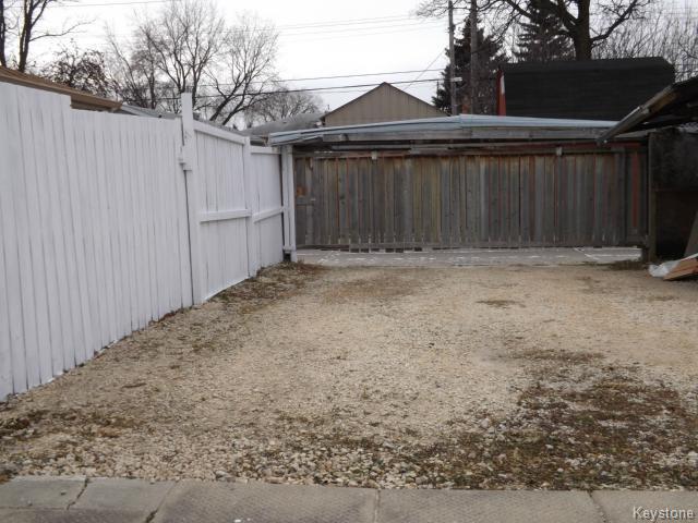 Photo 11: Photos: 610 Springfield Road in WINNIPEG: North Kildonan Residential for sale (North East Winnipeg)  : MLS®# 1427546