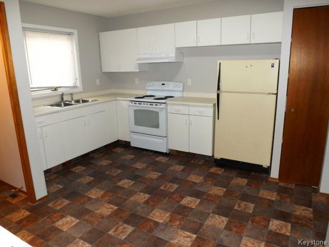 Photo 6: Photos: 610 Springfield Road in WINNIPEG: North Kildonan Residential for sale (North East Winnipeg)  : MLS®# 1427546