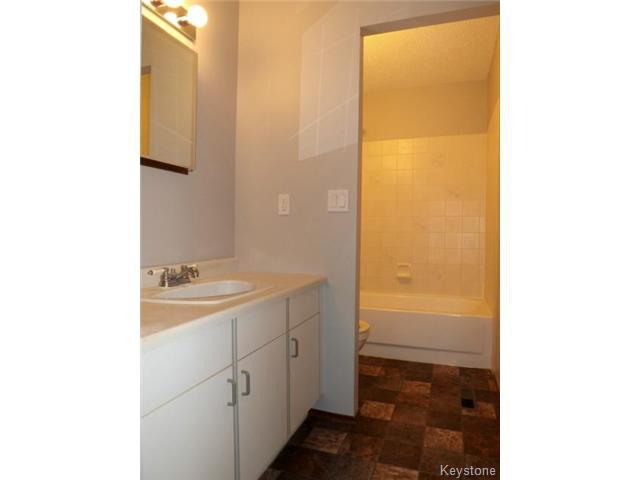 Photo 10: Photos: 610 Springfield Road in WINNIPEG: North Kildonan Residential for sale (North East Winnipeg)  : MLS®# 1427546