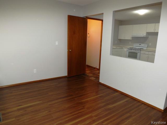 Photo 5: Photos: 610 Springfield Road in WINNIPEG: North Kildonan Residential for sale (North East Winnipeg)  : MLS®# 1427546