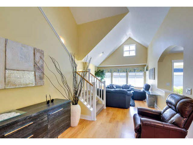 """Main Photo: 8 15450 ROSEMARY HEIGHTS Crescent: White Rock Townhouse for sale in """"CARRINGTON"""" (South Surrey White Rock)  : MLS®# F1451346"""