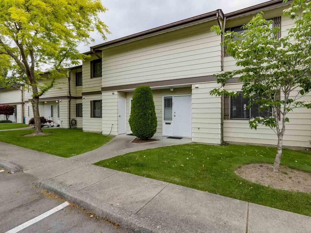 "Photo 1: Photos: 60 4800 TRIMARAN Drive in Richmond: Steveston South Townhouse for sale in ""BIRCHWOOD ESTATES"" : MLS®# R2069692"